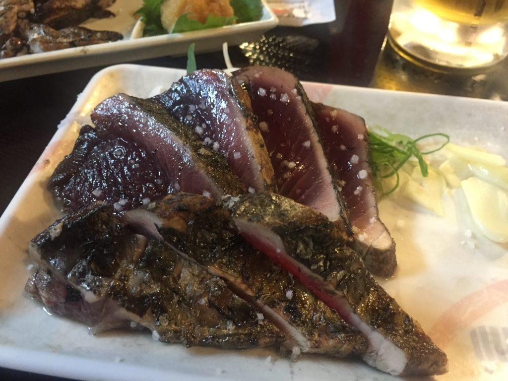 藁焼き鰹(カツオ)の塩たたき 中(7切) 900円